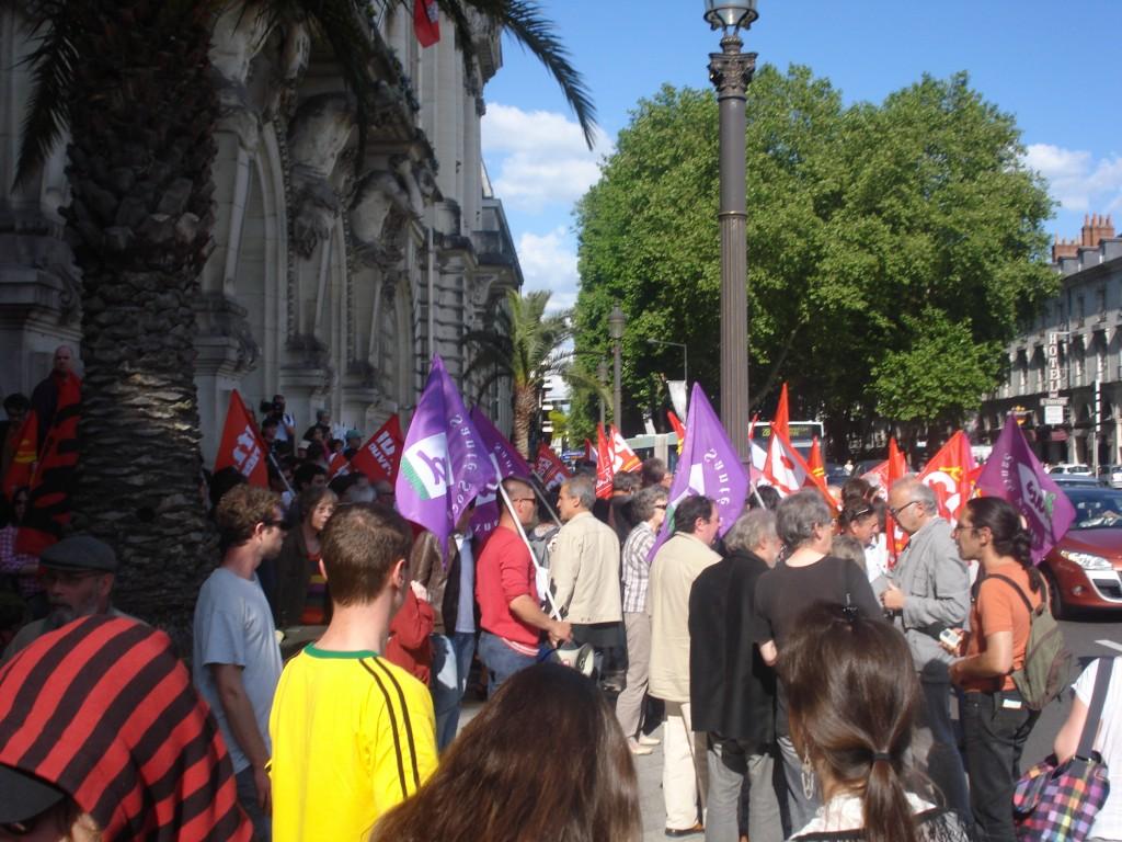 Rassemblement devant l'hotel de ville de Tours